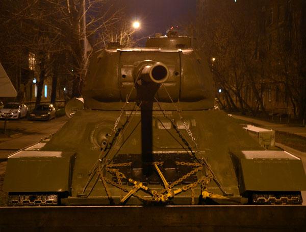 Перевозка танка Т-З4 вид спереди.