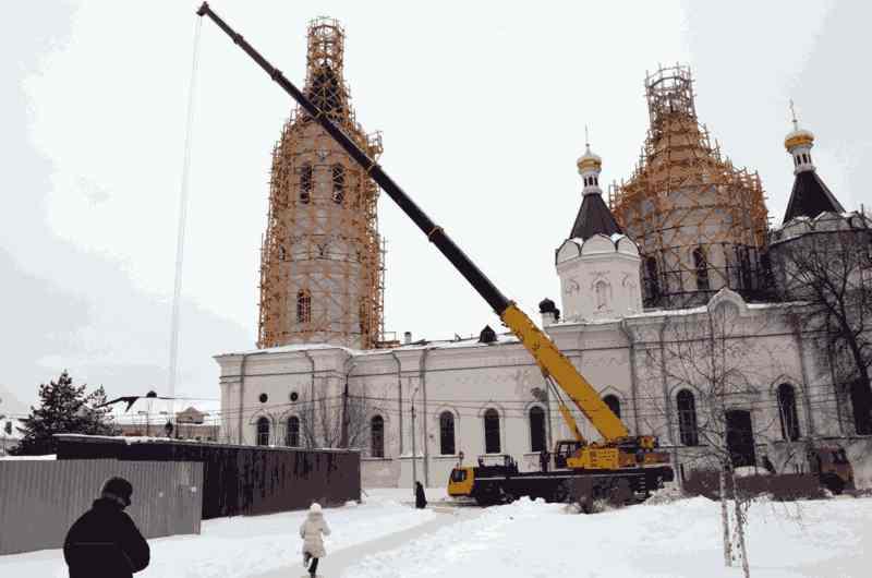 Liebherr LTM 1200 на строительстве храма в Егорьевске